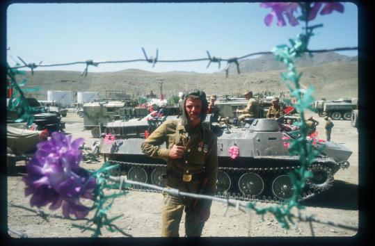Фото №1 - 31-я годовщина вывода советских войск из Афганистана (фотоподборка)