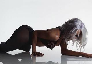 Танцовщица из клипа Канье Уэста Fade снялась в рекламе нижнего белья. Гипнотизирующее видео