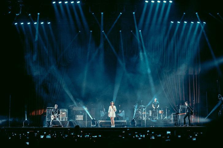 Фото №17 - Что творилось на недавних концертах Red Hot Chili Peppers, Ланы Дель Рей, «Сплина» и других рокеров