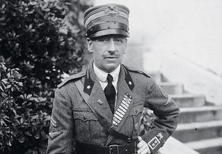 «Ни дня без совокупления!» — девиз летчика, поэта и диктатора Габриэле д'Аннунцио