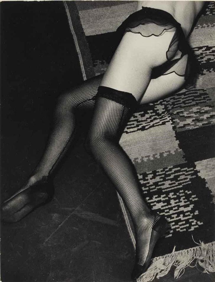 Фото №18 - Реклама фетишистского нижнего белья 1920-х годов