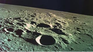 На Луне лежит огромная энциклопедия, но никто не понимает, где именно
