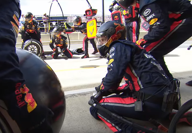 Фото №1 - В «Формуле-1» поставили новый рекорд скорости, но опять не машины (видео)