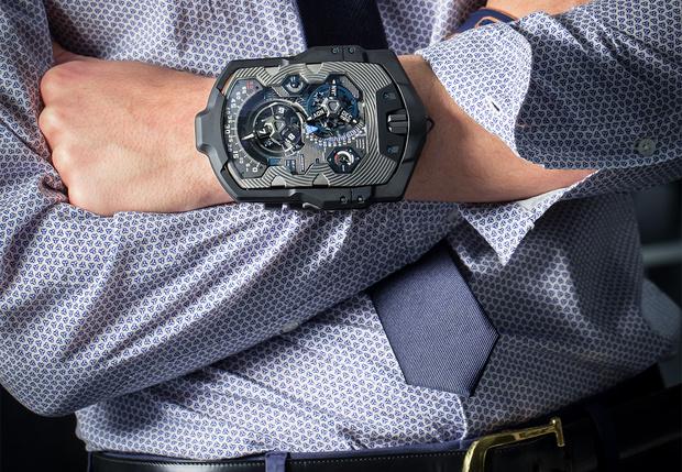 На руку часов стоимость петергоф стоимость часы