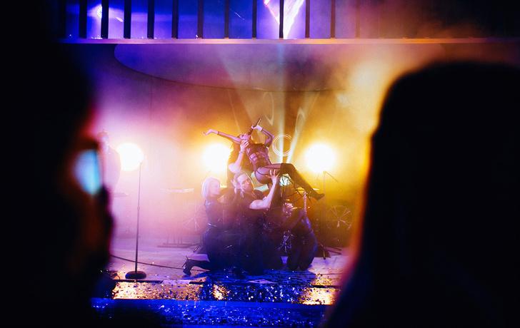 Фото №6 - Журнал MAXIM дал торжественный старт голосованию «100 самых сексуальных женщин страны» на вечеринке в Lexus Dome