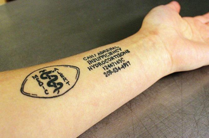 Фото №5 - Линейка, волосы и еще 3  полезные татуировки