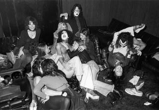 Легенды рока и легенды секса: 5 самых знаменитых группиз в истории