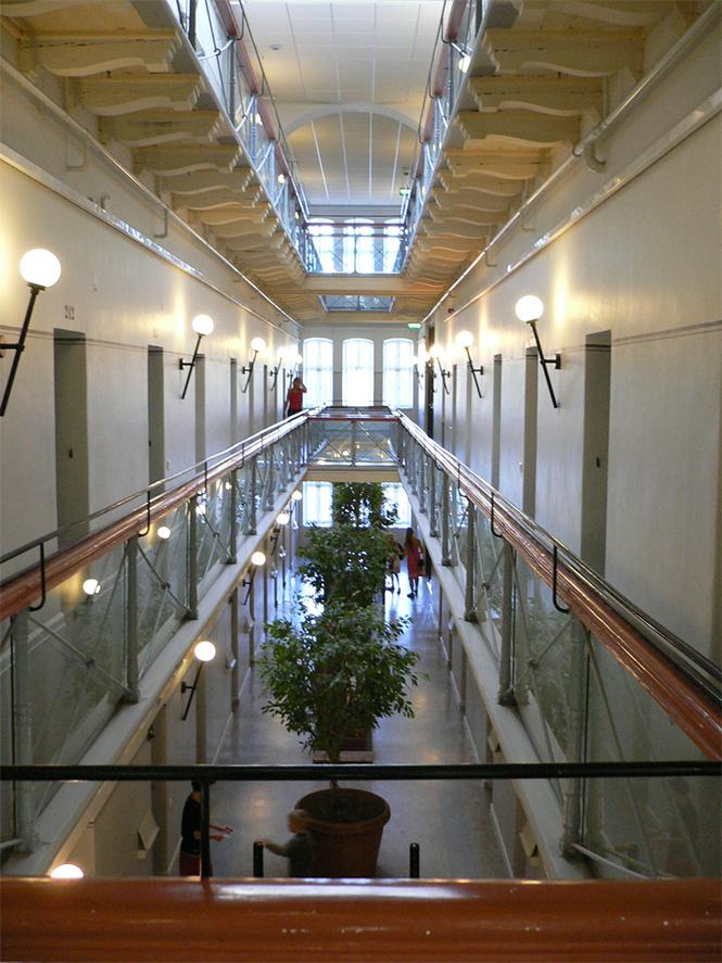 Фото №15 - Тюрьмы строгого комфорта: самые шикарные каталажки мира
