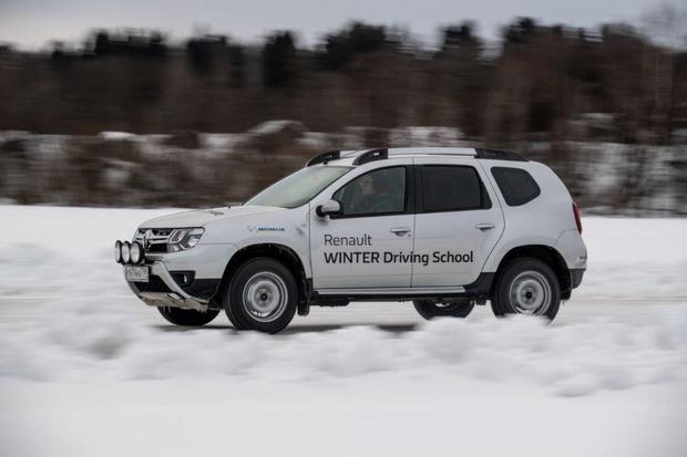 Фото №1 - Renault обещает сделать свою водительскую академию доступной для всех желающих