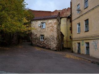 На продажу выставлен самый старый жилой дом в России