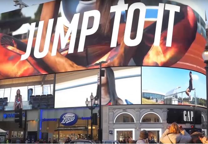 таргетинг улицу лондоне установили рекламный экран анализирующий прохожих