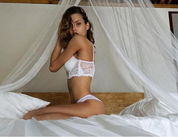 Фото №6 - Полина Фаворская, Кристина Хендрикс, участницы конкурса «Лучшая попа Бразилии» и другие самые соблазнительные девушки этой недели