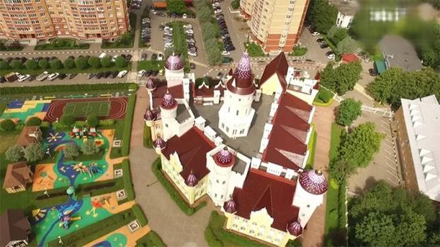 Фото №12 - Иностранцы с изумлением разглядывают русский детский сад