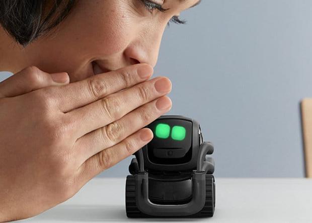 Фото №1 - Американская компания выпустила почти робота Wall-E, но очень маленького (видео)