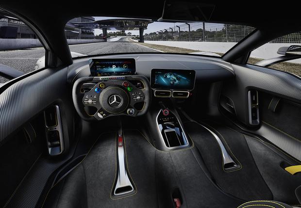 Фото №2 - Mercedes-AMG One: слушайся и повинуйся