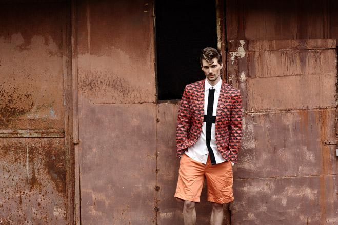 Пиджак Hugo, рубашка Y-3, шорты Gant