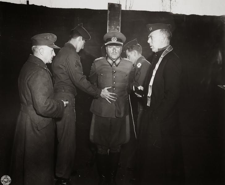 Фото №4 - Русский разведчик смеется перед расстрелом. И еще 8 поразительных фотографий Второй мировой войны