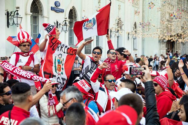 Фото №7 - Толпой и еще толпее: рассказ о том, почему люди, собравшиеся большими группами, начинают вести себя странно