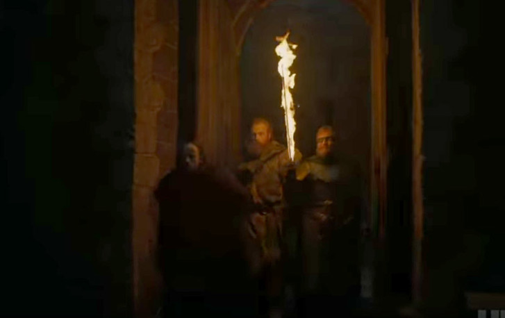 Фото №2 - 8 деталей, которые ты, скорее всего, не заметил в первом трейлере «Игры престолов»