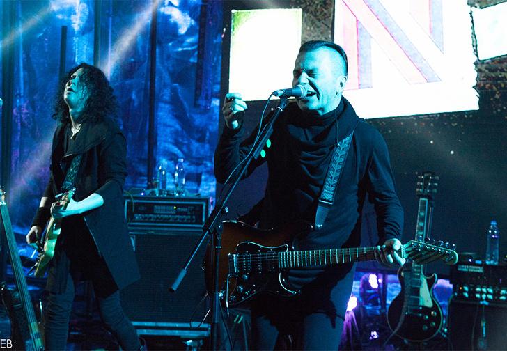 11 ноября в клубе Stadium Вадим Самойлов даст большой сольный концерт, в рамках которого презентует новые композиции и исполнит знаковые песни «Агаты Кристи»