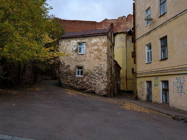 Фото №1 - На продажу выставлен самый старый жилой дом в России