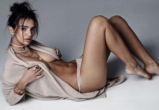 Девушка дня: Эмили Ратаковски
