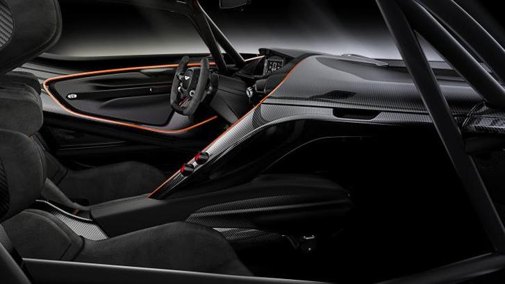 Интерьер Aston Martin Vulcan