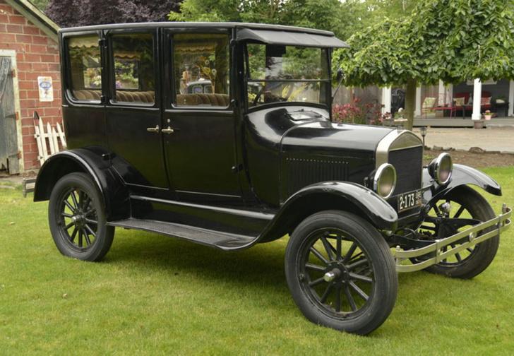 Фото №3 - 10 культовых автомобилей XX века