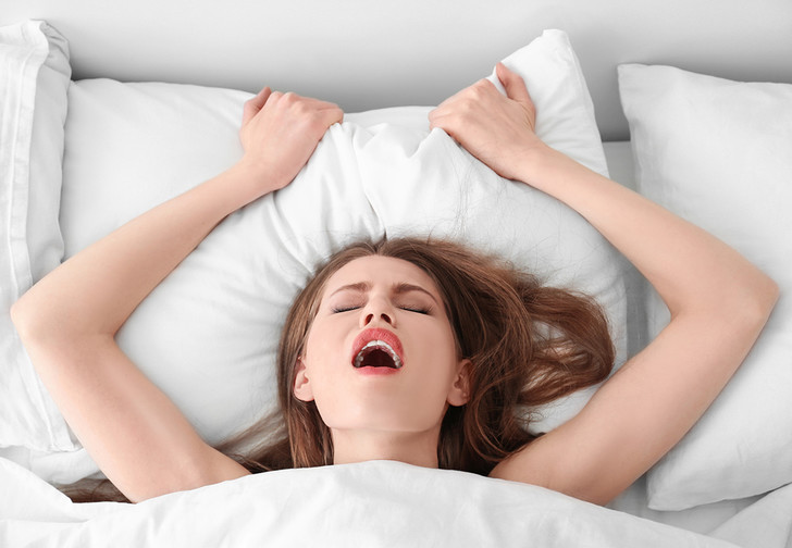 Фото №1 - Детектор правды: как понять, что она не симулирует оргазм
