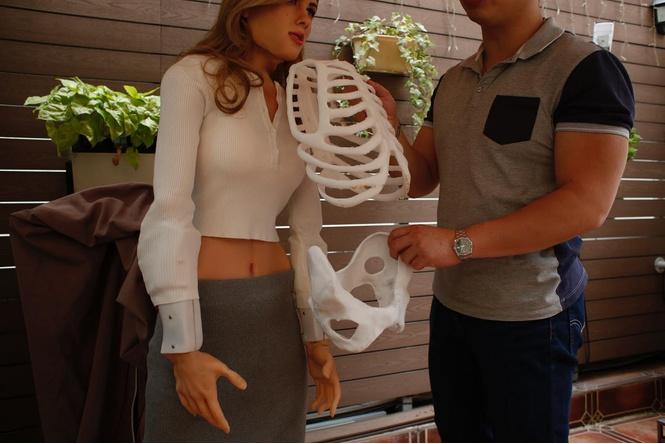Поклонник сделал себе секс-робота в виде Скарлетт Йоханссон