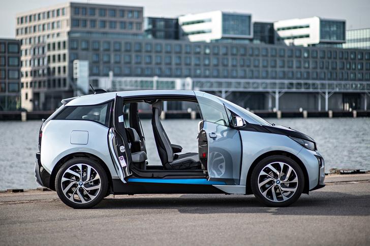 Фото №2 - Первый в мире BMW, работающий от розетки