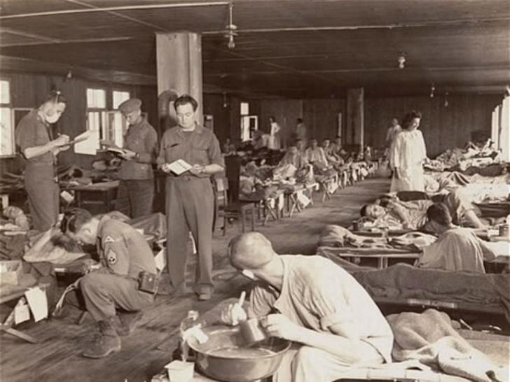 Больные тифом во время Второй мировой войны