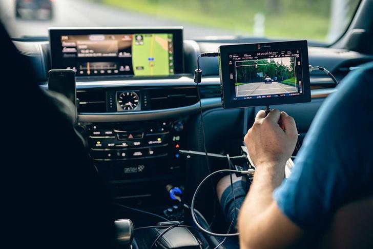 Фото №4 - Флагманские модели Lexus снимаются в кино