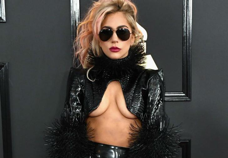 Фото №2 - Настя Задорожная, знаменитости в «голых» платьях и другие самые сексуальные девушки недели