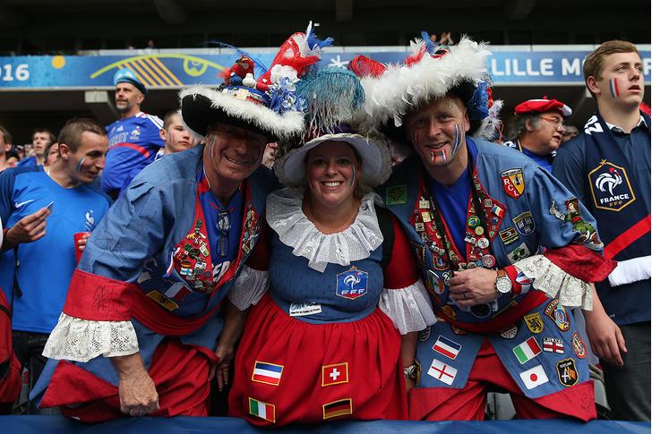Фото №14 - Слепой испанец, бешеные ирландцы и Дед Мороз. Почему фанаты на Евро-2016 — это не только драки