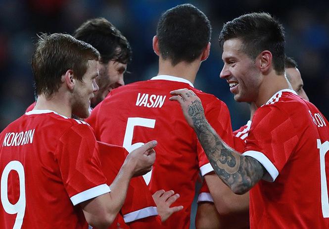 сборная россии футболу примет участие шоу-матче
