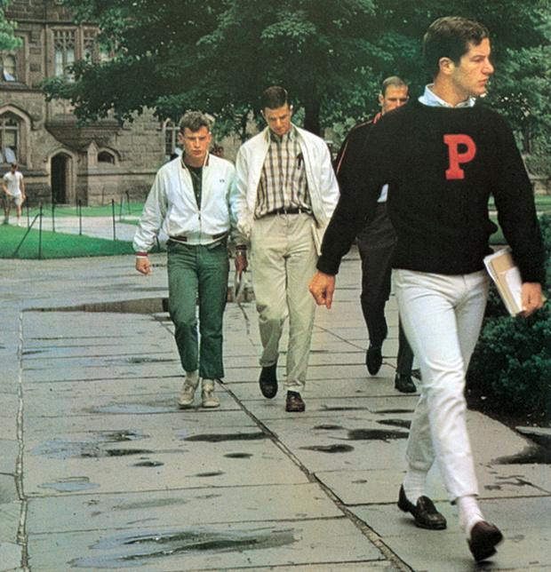 Преппи не стесняются носить свитшоты не только на спортивной площадке, но и на учебу