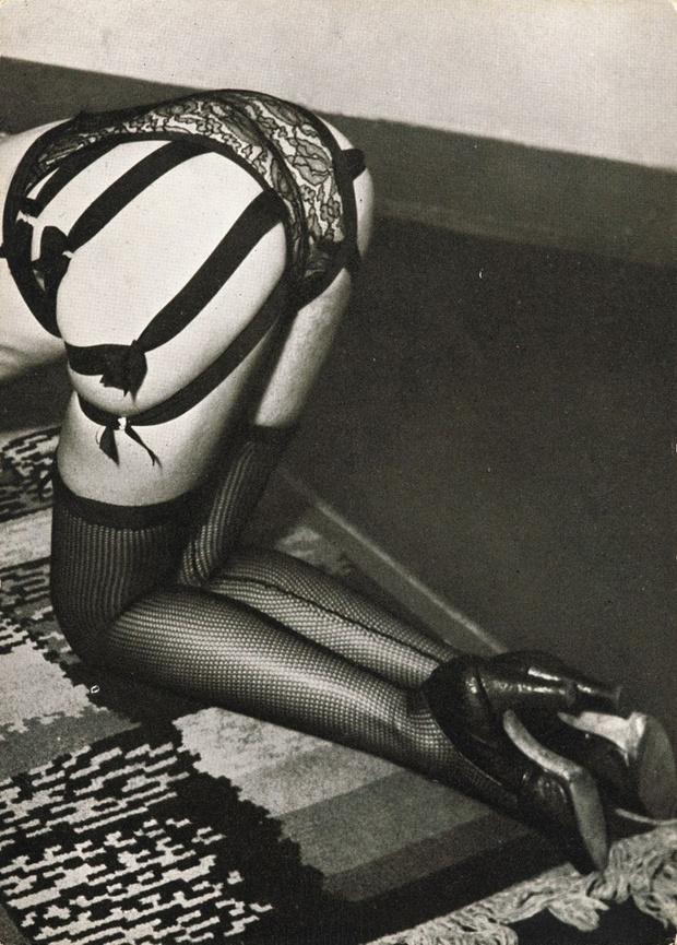 Фото №14 - Реклама фетишистского нижнего белья 1920-х годов
