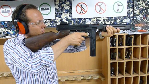 Фото №2 - Каково это — стрелять из ППШ, маузера, нагана, винтовки Мосина и еще девяти видов огнестрельного оружия