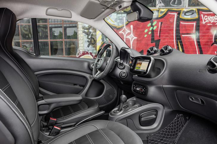 Фото №3 - Как Smart Electric Drive попал в вишлист автомобильного редактора MAXIM?