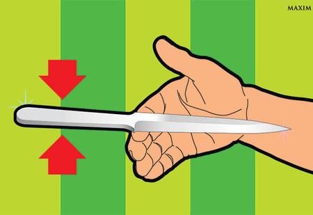 Как метать нож: 4 простых секрета, заставляющие лезвие вонзиться в цель