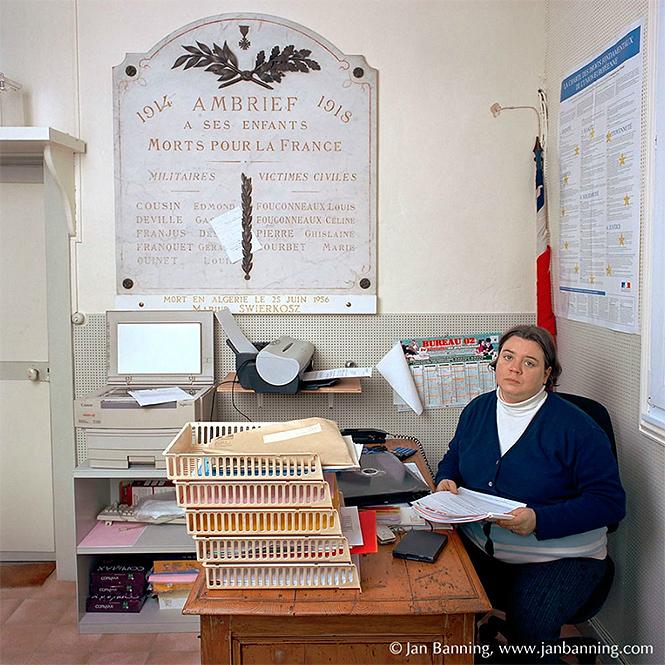 Фото №17 - Как выглядят кабинеты чиновников и служащих в разных странах