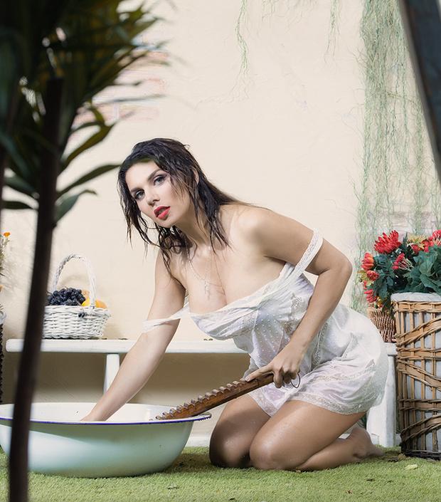 Фото №3 - Итальянские каникулы: Анна Седокова в объективе Антонио Бандераса!