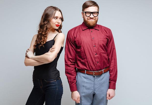 Фото №1 - Девушки с некрасивыми парнями более счастливы, утверждают ученые
