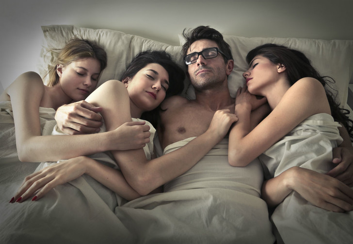 Фото №1 - Сколько сексуальных партнеров считается нормой в разных странах?