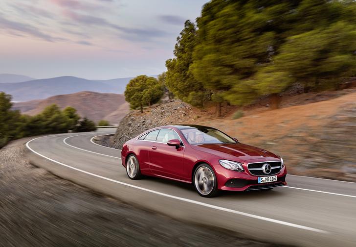 Фото №1 - Mercedes-Benz представил новое купе Е-класса