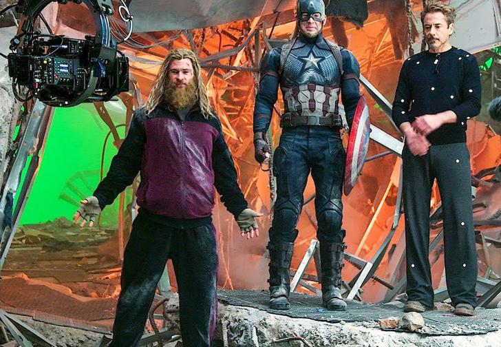 Фото №1 - В Сети появились самые смешные неудачные дубли из «Мстителей. Финал» (видео)