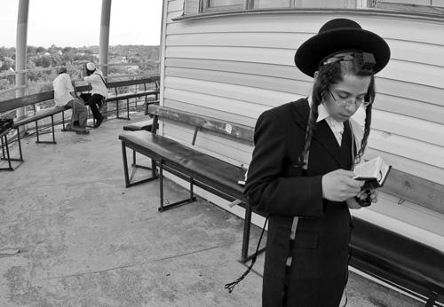 Фото №2 - C пейсом по жизни: таки как и чем живут евреи-хасиды