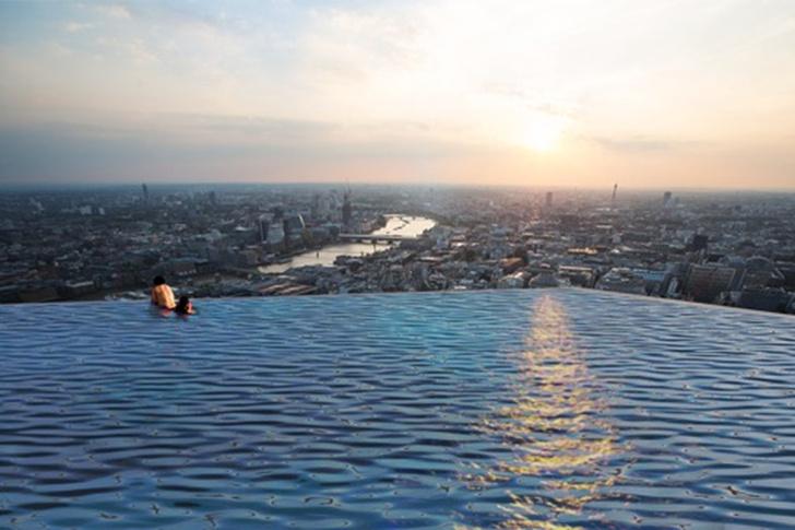 Фото №2 - Интернет озадачен бассейном на крыше, из которого невозможно вылезти
