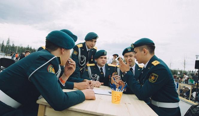 Кадетские сражения и бесплатная перловка: в Кубинке прошёл «День танкиста: Майские учения»